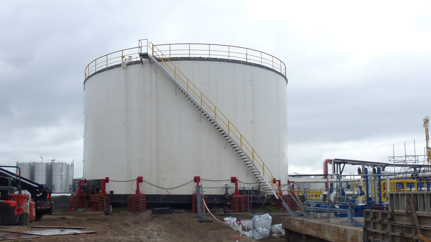 Renewal Of Tank Bottom And Foundation Geldof Engicon Nv