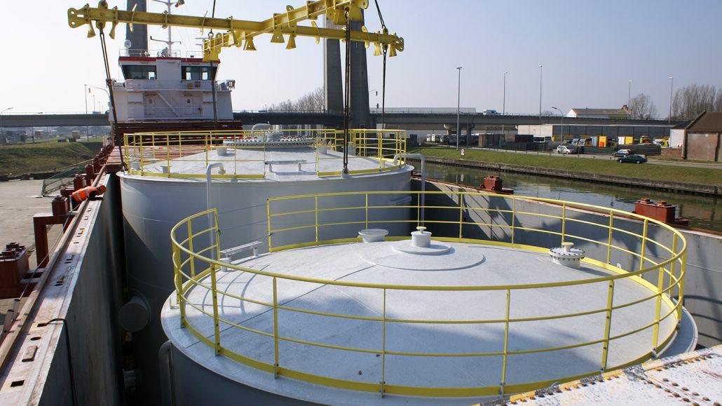 Tar storage tanks
