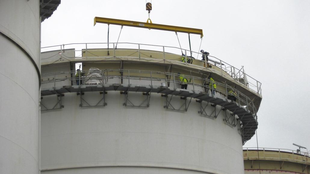 Refurbishment of tank pit